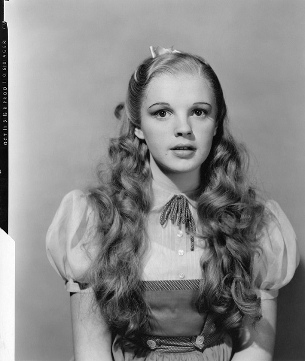 Garland originally wore glamorous make-up in the role, before producers decided to give her a more natural appearance