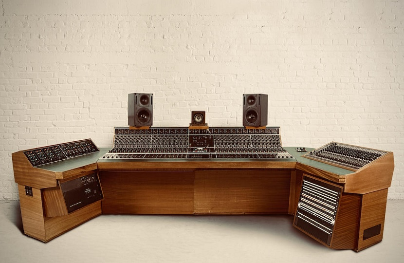 Led Zeppelin's Stairway to Heaven studio recording desk