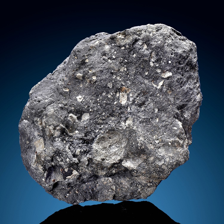 The meteorite, measuring 7 ½ inches long and weighing 6.4 pounds, was discovered in North West Africa in 2014