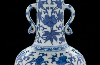 The Qianlong Chinese vase sold at Bearnes Hampton & Littlewood for £568,000