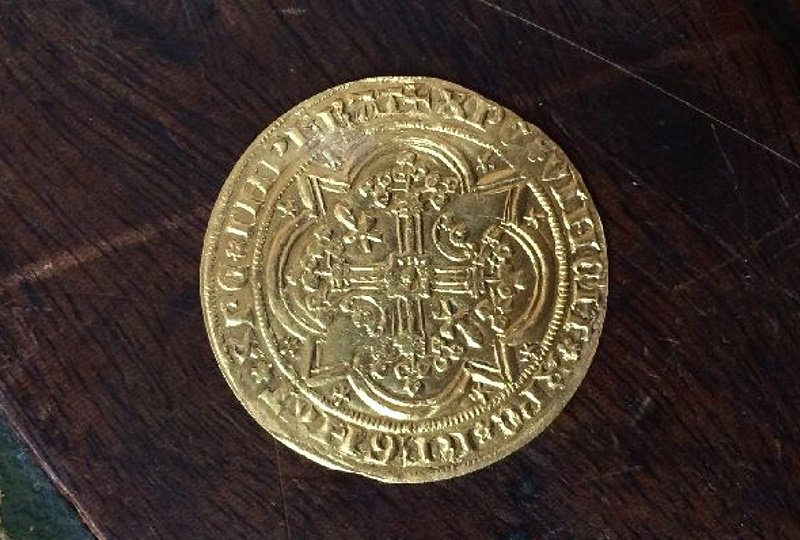 The 14th century gold coin could now sell for up to £3,000 ($3,900)