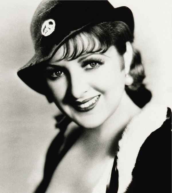 Billie Dove began her career on Broadway as a member of the Ziegfeld Follies stage revue.