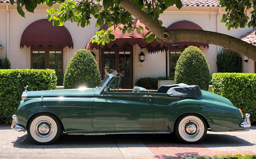 Elizabeth Taylor ordered the custom 1961 Silver Cloud II drophead coupe in her favorite colour of 'Smoke Green'