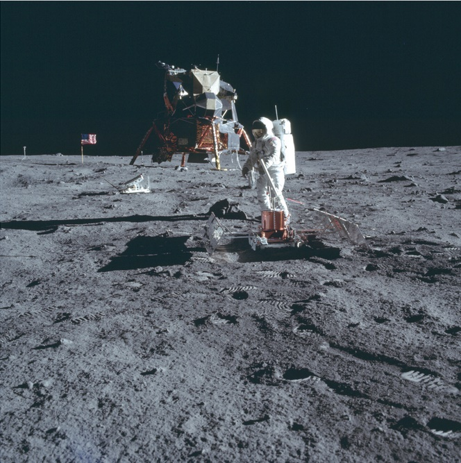 The tapes feature the only-known first-generation footage of the Apollo 11 landings and the moon walk carried out by Neil Armstrong and Buzz Aldrin known to exist