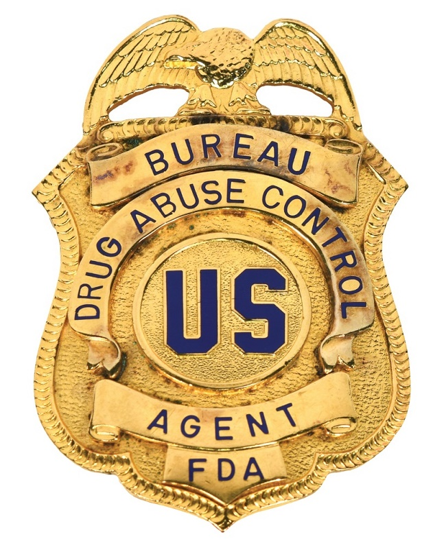Elvis received the FDA Bureau of Drug Abuse Control badge from an agent in 1970, and later gave it to his friend and bodyguard Sonny West.