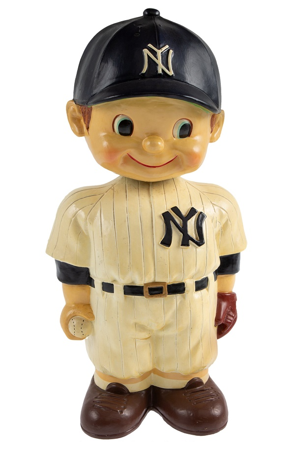 The world's most valuable bobblehead doll: a 1961/61 New York Yankees oversized promotional nodder, estimated at $40,000+ (Images: Heritage Auctions)