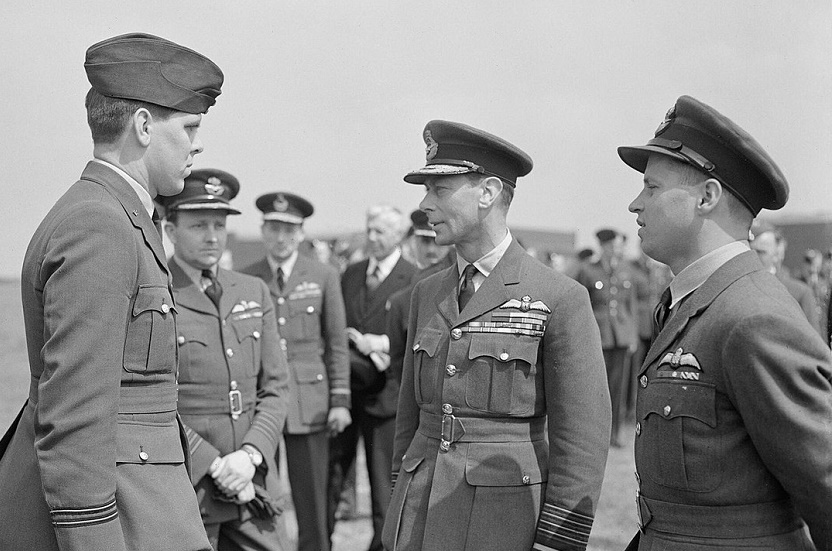 Squadron Leader David Maltby (left), pictured with King George VI (centre) and Wing Commander Guy Gibson (right) following Operation Chastise in 1943.