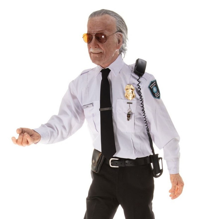 A hyper-realistic mannequin of Marvel legend Stan Lee, wearing his Smithsonian Guard uniform from Captain America: The Winter Soldier (Image: Profiles in History