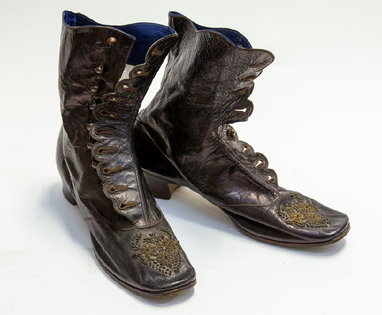 A pair of Queen Victoria's leather ankle boots (Image: Hanson's Auctions)